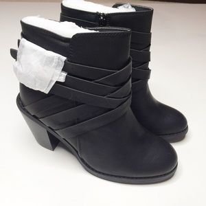 NWOT Journee Collection Buckle Ankle Heeled Boots